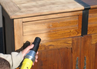 Gommage meuble bois