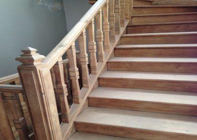 Gommage escaliers bois